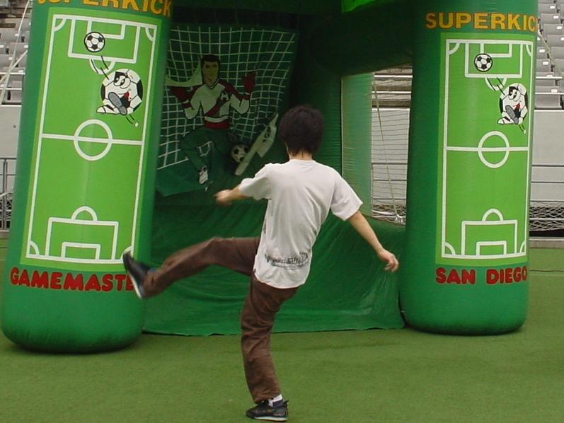 【イベントレンタル】サッカーのイベント遊具【ハットトリック】