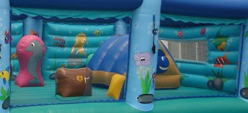 プレイランド型エア遊具【海のプレイランド】